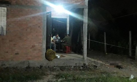 Tiền Giang: Con gái 16 tuổi bất ngờ đầu thú khai giết mẹ ruột
