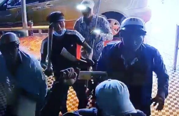 Phó Thủ tướng Thường trực yêu cầu xử lý nghiêm vụ sàm sỡ nữ sinh và 'xã hội đen' lộng hành