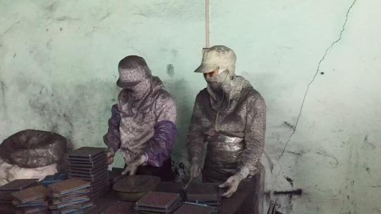 Khởi tố, điều tra vụ Vinaca sản xuất thuốc chữa ung thư từ bột than tre