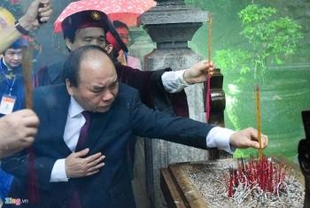 thu tuong nguyen xuan phuc dang huong tuong niem cac vua hung