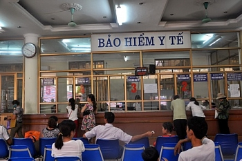 benh nhan kham benh bao hiem y te co the duoc chi tra len toi hang ty dong