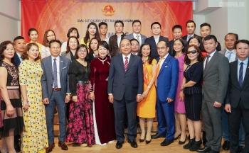 thu tuong tham hoi ba con kieu bao tai romania