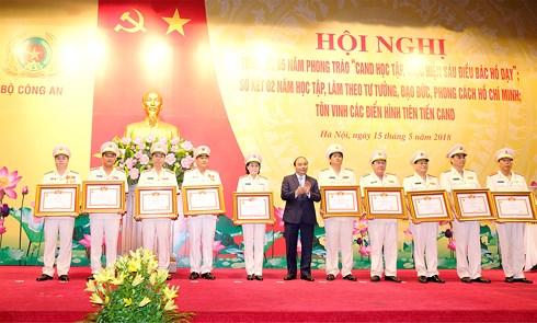 thu tuong 6 dieu bac ho day la kim chi nam cho cong an nhan dan