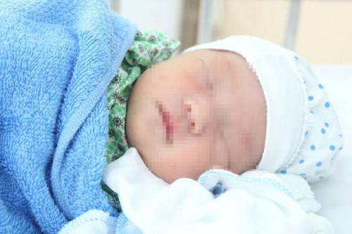 Hà Nội: 2 bé sơ sinh bị mẹ bỏ rơi tại Bệnh việnĐức Giang