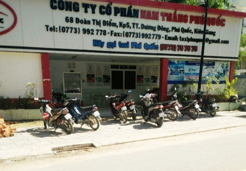 pho giam doc cong ty taxi o phu quoc no sung truoc phong lam viec cong an vao cuoc lam ro