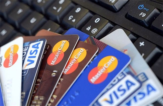 Cấm lợi dụng hoạt động thông tin tín dụng để tư lợi, xâm phạm lợi ích Nhà nước