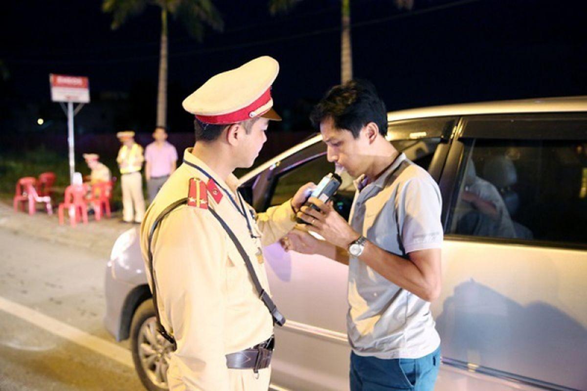 Đề xuất phạt 30 triệu đồng, tước GPLX 12 tháng với lái xe có nồng độ cồn vượt quy định