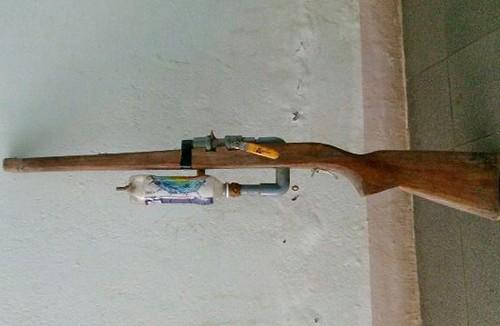 Nam sinh lớp 9 tử vong khi sửa súng tự chế