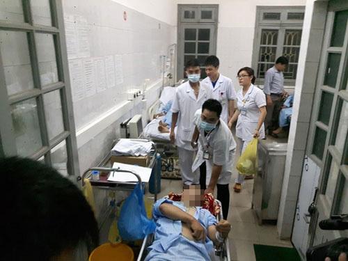 Người đàn ông 62 tuổi phải nhập viện sau khi thức khuya xem 3 trận bóng đá