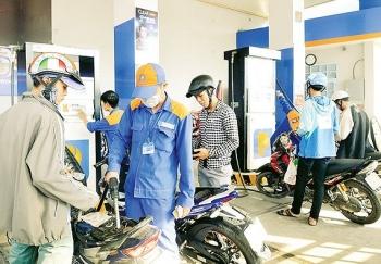 xang dau dong loat giam gia manh trong phien dieu chinh chieu 176