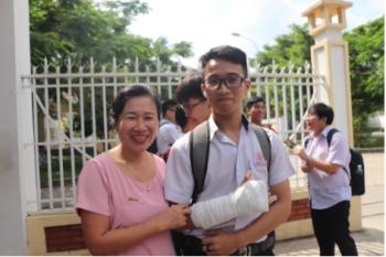 dong nai nam sinh gay tay thi phong rieng duoc bo tri nguoi chep bai ho
