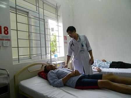 Hà Tĩnh: Bốn người trong gia đình nhập viện cấp cứu do ăn phải nấm độc