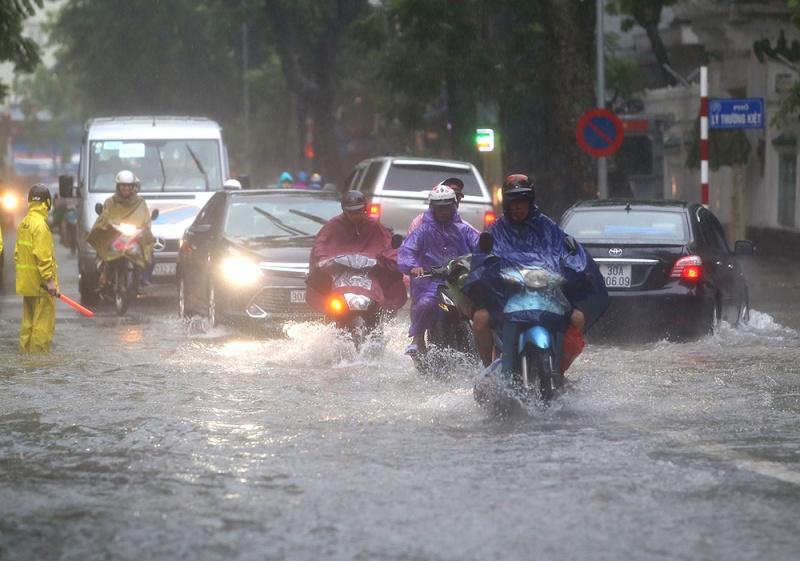 Dự báo thời tiết hôm nay 21/7: Bắc Bộ, Bắc Trung Bộ có mưa dông diện rộng, cảnh báo tố lốc