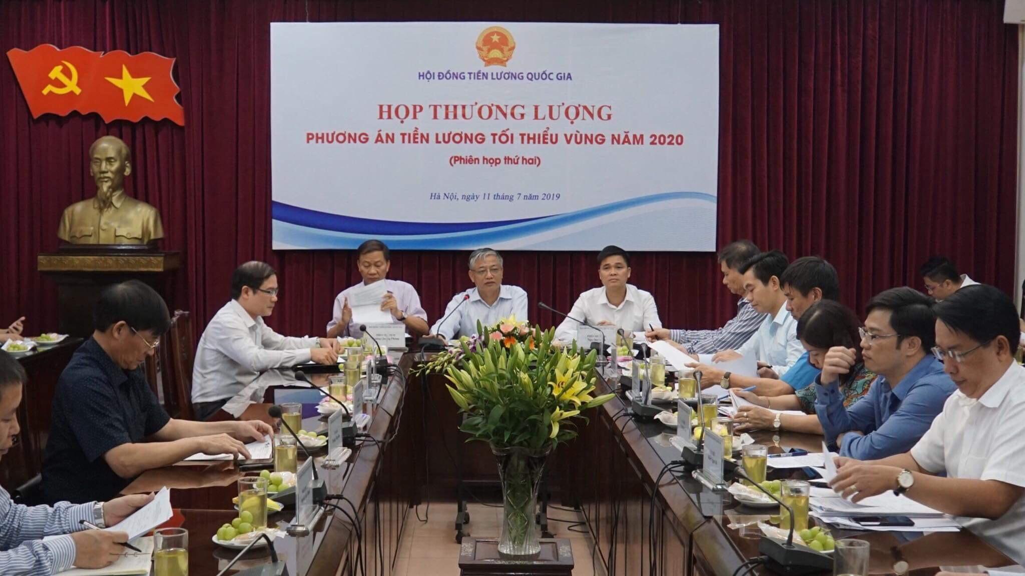 chot muc tang luong toi thieu vung nam 2020 la 55