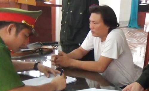 Tài xế 2 lần lái ô tô chở gạch tông CSGT ở Hà Tĩnh