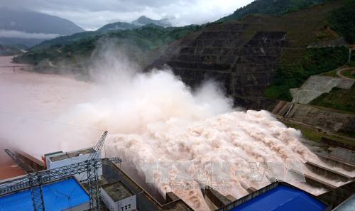 Trước nguy cơ bão lũ, tăng cường kiểm tra việc vận hành hồ thủy điện