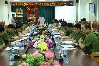 thu truong bo cong an chi dao dieu tra truy bat hung thu sat hai 2 vo chong o hung yen