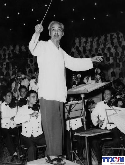 Hồ Chí Minh với tư tưởng xuyên suốt về đoàn kết