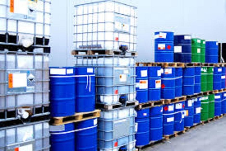 Phải lưu giữ hóa chất nguy hiểm để thí nghiệm trong kho chứa riêng