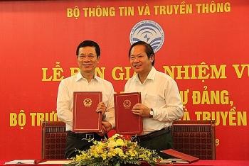 quoc hoi phe chuan bo truong thong tin truyen thong trong thang 10