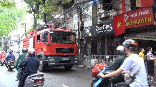 Vụ cháy 19 căn nhà trên đường Đê La Thành: Đám cháy bùng phát trở lại ở căn nhà số 905