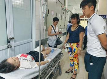 Công an truy tìm người bắn pháo sáng trên sân Hàng Đẫy trong vụ CĐV bị thương trong trận Nam Định- Hà Nội