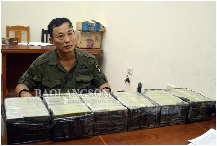Mang 60 bánh heroin từ Mộc Châu, qua Hà Nội lên Lạng Sơn tiêu thụ