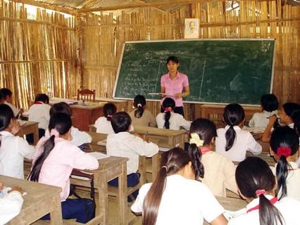 Hỗ trợ mua trang thiết bị dạy học cho 1.070 trường vùng khó khăn