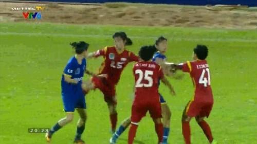 Cầu thủ nữ ẩu đả trên sân: Trưởng đoàn CLB Than khoáng sản Việt Nam gửi lời xin lỗi