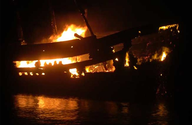 Quảng Ngãi: Nổ tàu cá trong đêm làm 1 người chết và 13 người bị thương