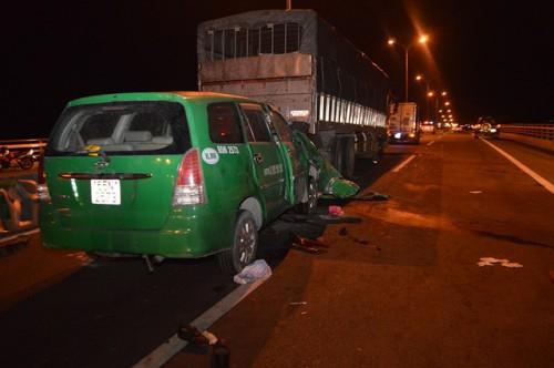 Tạm giữ tài xế xe tải để điều tra làm rõ vụ tai nạn giao thông làm 3 người chết ở cầu Cần Thơ