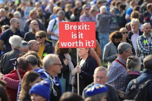Anh: Gần 700.000 người xuống đường tuần hành kêu gọi trưng cầu dân ý lần 2 về Brexit