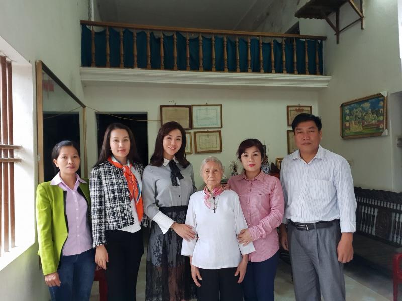 Ngày 20/10: Thăm và tặng quà các bà mẹ Việt Nam anh hùng tại huyện Kim Bảng – Hà Nam