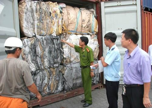 Bộ Công Thương ban hành quy định danh mục phế liệu tạm ngừng kinh doanh tạm nhập, tái xuất, chuyển khẩu