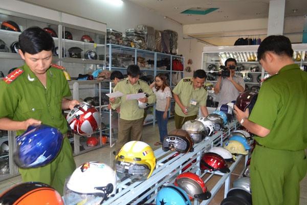 Bãi bỏ Nghị định về điều kiện kinh doanh mũ bảo hiểm cho người đi mô tô, xe máy