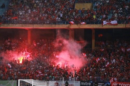 CĐV có thể sẽ không được xem ĐT Việt Nam đá sân nhà để xảy ra đốt pháo sáng tại AFF Cup 2018