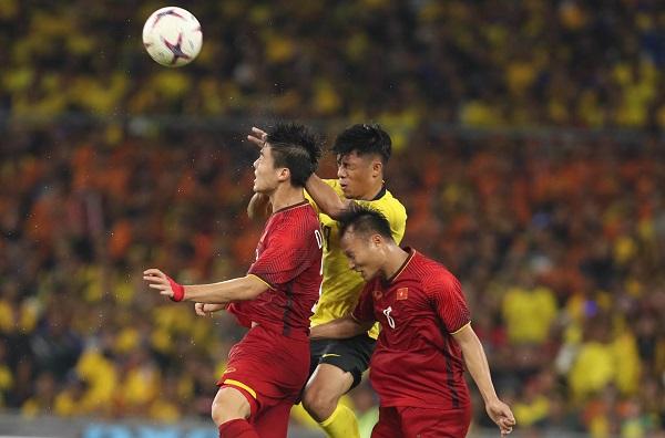 Hòa 2-2 trên sân khách, Việt Nam giành lợi thế trước chung kết lượt về
