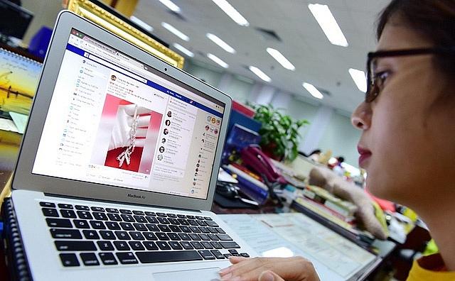 nong chuyen thu thue google facebook