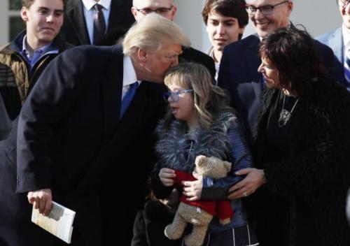 Tổng thống Mỹ Donald Trump ủng hộ Dự luật cấm phá thai
