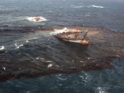 Quy trình khắc phục sự cố tràn dầu trên biển
