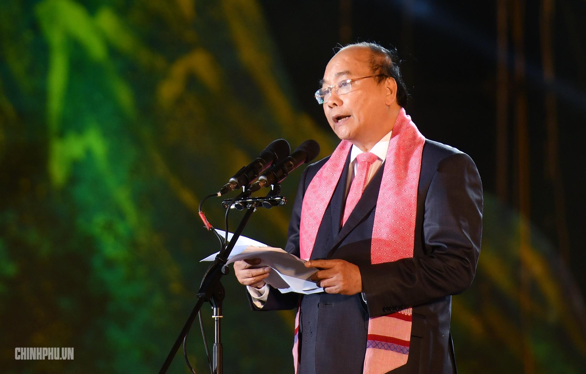 Thủ tướng kêu gọi đánh thức tiềm năng hàng thổ cẩm