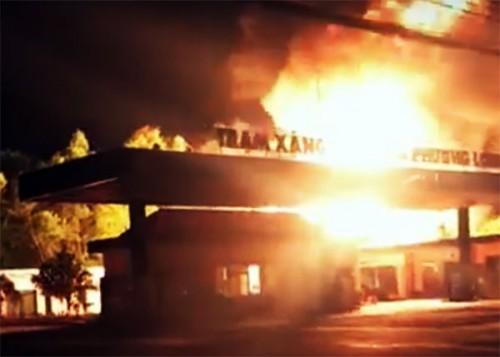 Xác định nguyên nhân trạm xăng dầu ở Đồng Nai bốc cháy dữ dội trong đêm