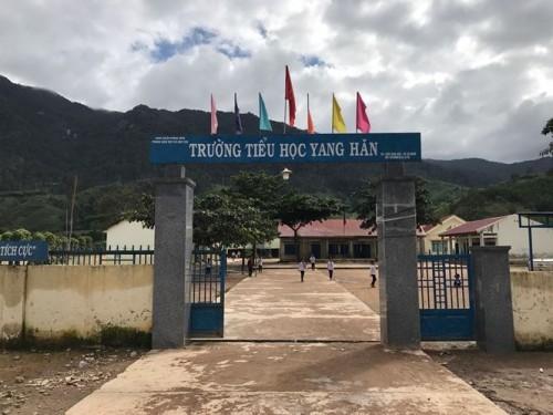 Đắk Lắk: Tạm đình chỉ công tác đối với nữ hiệu trưởng có dấu hiệu bớt xén tiền hỗ trợ học sinh nghèo