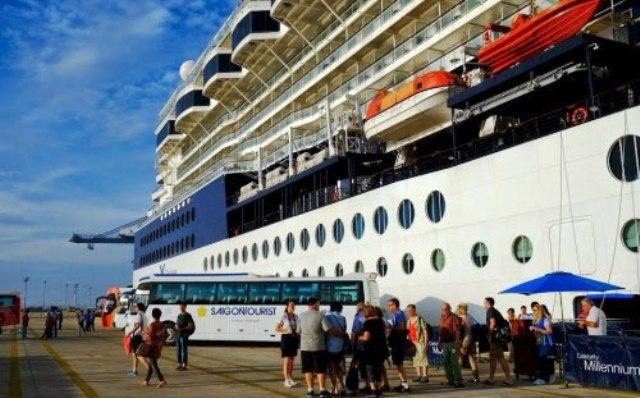 Hàng loạt tàu du lịch biển quốc tế 'đổ' khách đến Việt Nam
