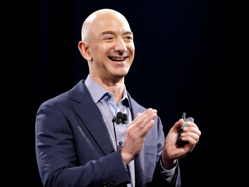 Cổ phiếu Amazon lần đầu đạt 1.500 USD
