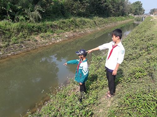 Hà Tĩnh: Nam sinh lớp 7 dũng cảm nhảy xuống kênh cứu 2 em nhỏ thoát chết đuối
