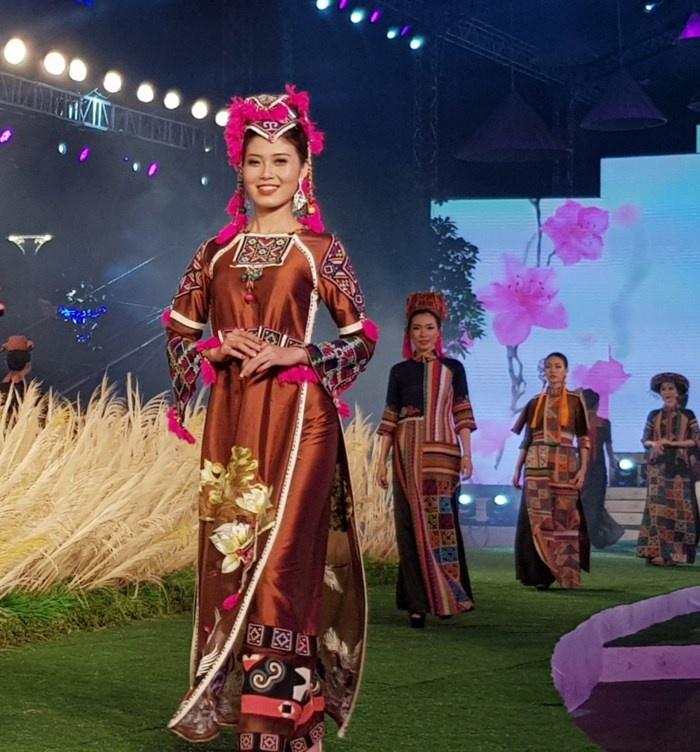 khai mac le hoi ao dai tphcm lan thu 5 nam 2018