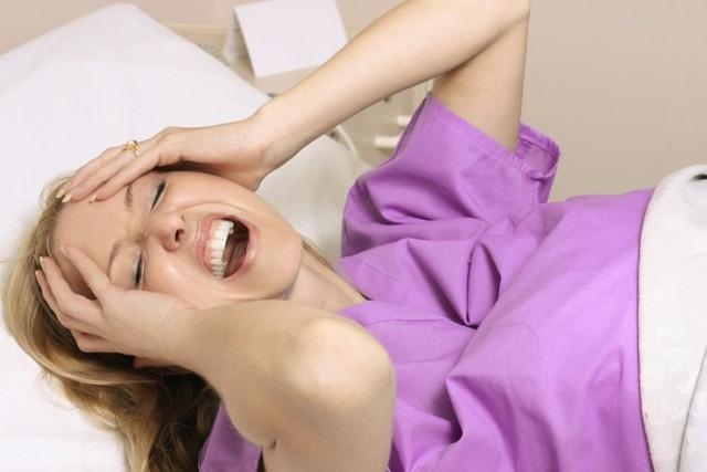 Quảng Bình: Người phụ nữ bất ngờ lên cơn động kinh ngã vào nồi nước sôi