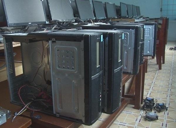 Đồng Tháp: Đột nhập trường học, lấy trộm 25 bo mạch máy tính