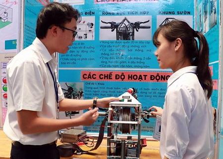 Học sinh Đồng Nai chế tạo thiết bị thoát hiểm ở chung cư